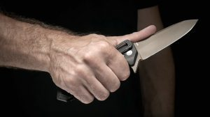Carrying a Knife weapon EDC Sig Sauer Hogue