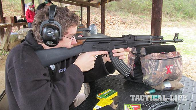 Arsenal SAM7R AK rifle range test