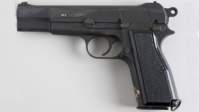 Browning Hi-Power pistol inglis