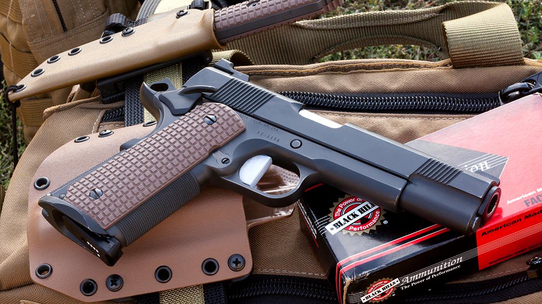 Carrying 1911 Duty Pistol handgun