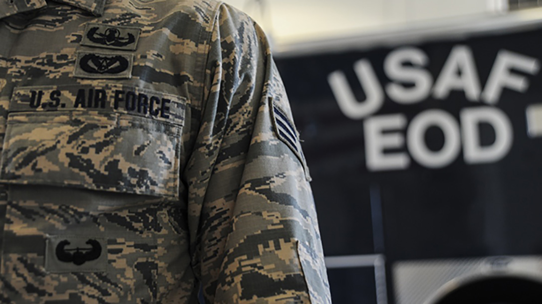 Report Us Air Force Eyeing Switch To Army Combat Uniform