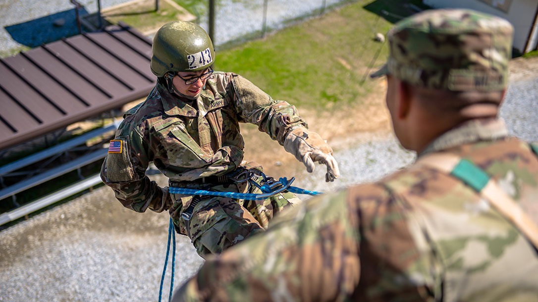 army osut training rappel training