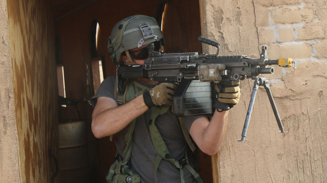 next generation squad automatic rifle m249 saw doorway