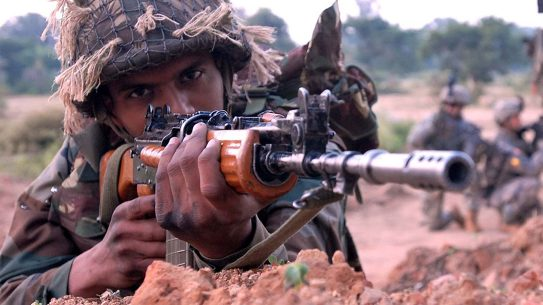 india, india rifles, india rifle, india light machine gun, india light machine guns, light machine guns, rifle closeup