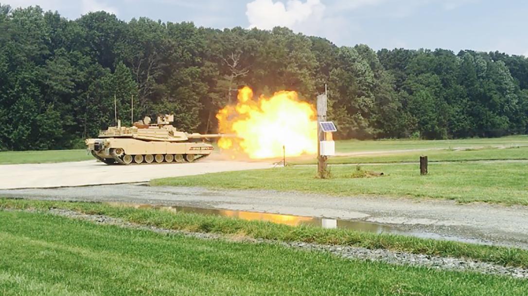 M1A1 Abrams SEpv3 tank firing