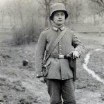 mauser, mauser c96, mauser c96 pistol, mauser c96 broomhandle, broomhandle pistol, mauser c96 pistol german soldier