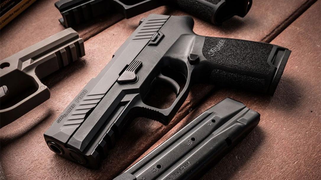 sig sauer, sig sauer p320, sig p320, sig p320 pistol, webb county sheriff sig p320, webb county sheriff, p320 beauty shot