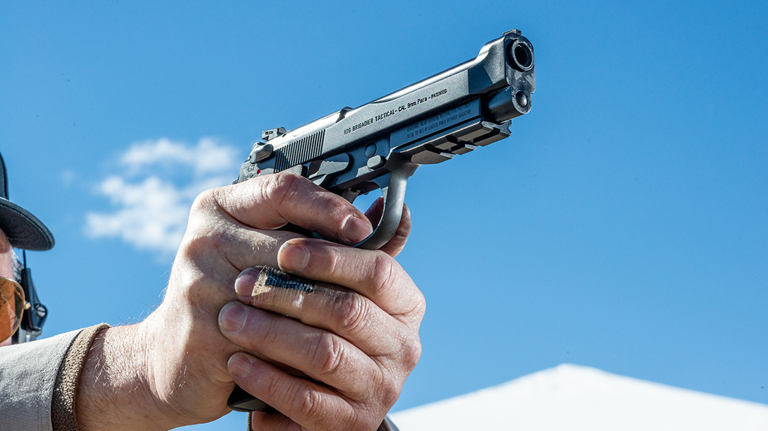 Wilson Combat 92G Vertec Brigadier Tactical pistol, Beretta 92G, aiming