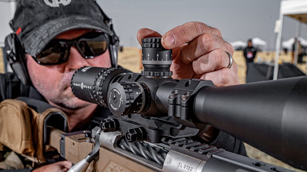 Sightmark Latitude Rifle Scope testing, knob